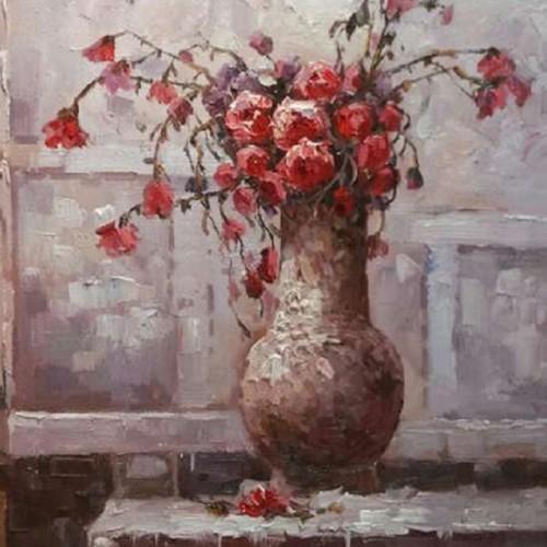 Красные цветы в большой вазе 214
